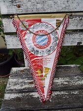 Ancien fanion Luxe équipe de foot F.C.Bayern Munchen E.V 1981