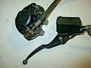 Bremszange mit Ausgleichsbehälter und Bremshebel vorne für Suzuki GN 250