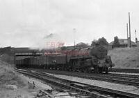 PHOTO  BR LOCO 73019 AT TUFFLEY JCT ON 12TH AUG 1959