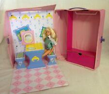 1989 Princess Barbie Carry Case w Doll Fold Out Kitchen Vanity House Wardrobe