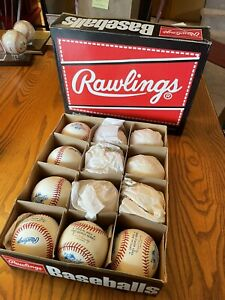 Set of 12 Rawlings 1991 Official World Series Baseballs One Signed by Tony Oliva