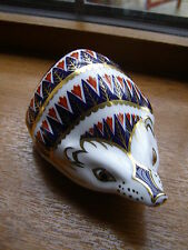 ROYAL CROWN DERBY HEDGEHOG PAPERWEIGHT 1ST QUALITY GOLD STOPPER MINT UNBOXED.