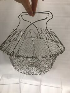 Vintage Wire Mesh Collapsible Egg Gathering Basket Rustic Farmhouse