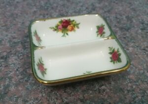 ROYAL ALBERT OLD COUNTRY ROSES DIVIDED SERVER FINE CHINA