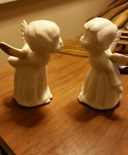 Vintage LEFTON KISSING white ANGELS FIGURINES, PAIR, LOT ANGELS,, gold wing tips
