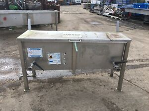 STAINLESS STEEL TANK WITH LID, WASH STATION  (5444)