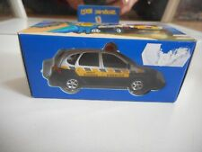"""Universal Hobbies Renault Scenic RX4 """"Assistance"""" in White/Grey on 1:64 in Box"""