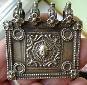 rare pendentif, talisman ARGENT MASSIF( testé) INDE ??BERBERE?
