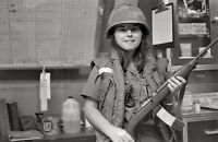 Vietnam War Photo US Army Nurse with M1 Carbine in Field Hospital  / 1554