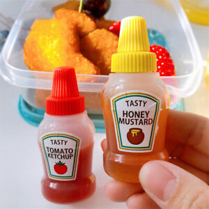 2 pcs 25ML Mini Tomato Ketchup Bottle Portable Sauce Salad Containers