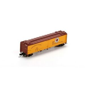 Athearn # 23968  50' Ice Reefer, Northern Pacific  # 94082   N Scale, MIB