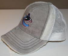 e75ebc66713 Vancouver Canucks 40% Leather Hat Cap One Size Molson Canadian Faux Fur  Lined