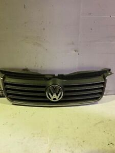 00-05 VW PASSAT B5 LOGO FRONT CENTRE GRILL BLACK/SILVER 3B0853651L 3B0 853 651 L