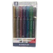 Staedtler 6 marcadores metálicos surtidos + Delineador de pigmento libre de punta de cincel