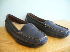 L.L. Bean Women's brown leather slip-on shoes size 6 Vibram