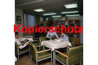 J51 Soldaten der Grenztruppen in der Bücherei / Lesesaal, DDR Foto 20x30 cm