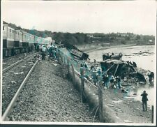 More details for invergowrie rail accident 1979 original press photo 10 x 8 inch d.c thomson & co