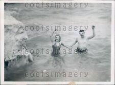1944 R Kirk J Hallock Chicago Polar Bear Club in Cold Lake Michigan Press Photo