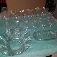 20 PIECE VINTAGE CRYSTAL ETCHED GLASSWARE. 18 GLASSES, 1 BOWL,1 SERVING DISH