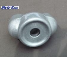 APRILIA PEGASO 650 92-93 supporto manubrio basso argento staffa di bloccaggio 8123251