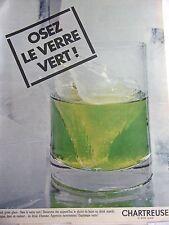 publicité de presse - LIQUEUR  CHARTREUSE  verte  en 1967 ref. 23419