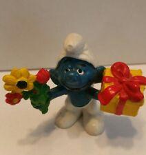 """Vintage Present Flowers Smurf 1978 Peyo Schleich Pvc Figure Figurine Smurfs 2.5"""""""