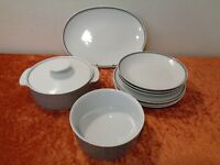 9 PC Convolute Thomas Design Porcelain Dinner Service - Vintage - around 1970