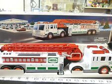 Hess 2000 Fire Truck with flashers sirens and horn Extension Ladder NEW