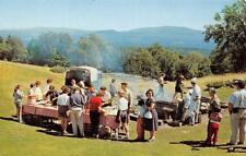 BONNIE OAKS Inn & Bungalows, Fairlee, Vermont Tucker Mt. Cookout c1950s Postcard