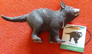 AUSTRALIAN ANIMAL COLLECTION of 13 LARGE PLASTIC REPLICA ANIMALS