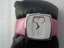 BEAUTIFUL FASTRACK BY TITAN INDIA LADIES WHITE & PINK DIAL LADIES QUARTZ WATCH