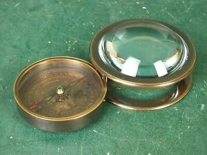 Kompass Altmessing mit Glas Halbkugel Lupe zum Ausklappen sehr Schön Navigation