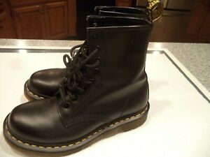 New Pair Dr. Martens SZ 7 Black Air Wair Leather Boots