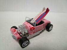 Johnny Lightning 1:64 Diecast - Surf Rods - Ford Roadster Malibu Babes