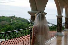 Off-white, vintage-style simple & elegant bridal veil--- looks new!