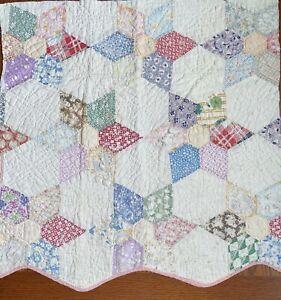 """Vintage Cutter Quilt Piece 25.5""""X25.5"""" One Wavy Side  Star/flower LAST ONE"""