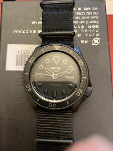 Seiko 5 Automatic Black Dial Black Nylon Strap Mens Watch SRPD79