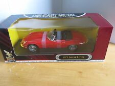 1971 Jaguar E-Type 1:18 Die Cast Red By Road Signature