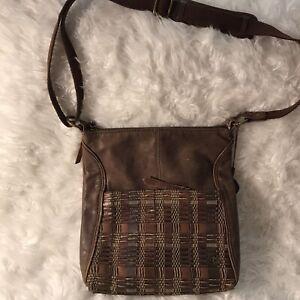The Sak Vintage Crossbody Brown Crochet Hobo Boho Bag Purse Fully Lined Adjustab