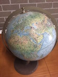 Vintage Readers Digest USA Replogle Topographical World Globe 1977 Dbl Axis42cm