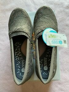 Women Bzees Shoes by Naturalizer Size 8 with Cloud Technology. Washable.