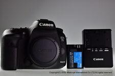** Near MINT ** Canon EOS 7D Mark II 20.2MP Digital Camera Body
