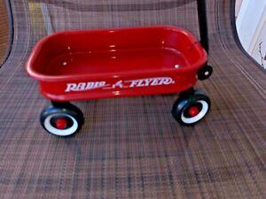 Vintage decorative RADIO FLYER Red Wagon 6.5 INCH