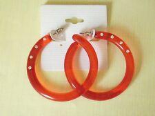 Rote Creolen mit Strasssteinen. 5 cm. Aus Kunststoff. Rot