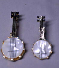 SET OF 2 GOLD TONE MOTHER OF PEARL MOP BANJO LAPEL PINS - 1 MEDIUM 1 SMALL
