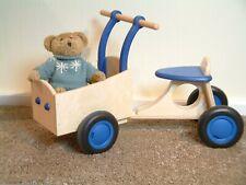 Bakfiets aus Holz Laufrad mit Transportkiste Kinderfahrzeug natur+blau Rutscher