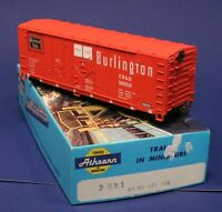 Burlington Route 52659 - 40' Hi Cube Box Car w/ Knuckles - Athearn HO Scale 2091
