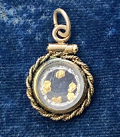 Gold Fill and 22k gold nugget Pendant. Vintage Charm gold Jewelry