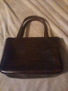 Falchi womans purse,alligator skin pattern,great shape,very clean.