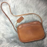 Vintage Coach Brown Cowhide Leather Small Purse Bag #330 Made in USA EUC